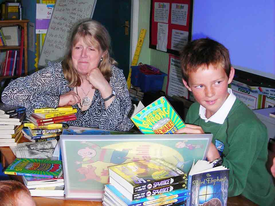 Storth-2008---pupil-winning-a-spellbinding-author---Penny-Dolan-for-their-school!